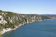 De beroemde Duino-klippen, Triëst, Italië royalty-vrije stock foto's