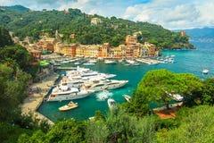 De beroemde het dorp en de luxejachten van Portofino, Ligurië, Italië Stock Afbeeldingen