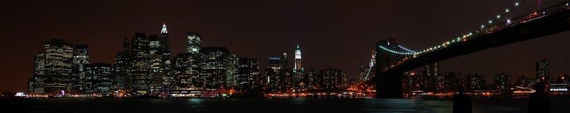 De beroemde horizon van New York bij nacht. Royalty-vrije Stock Afbeelding