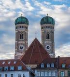 De beroemde Kathedraal van M?nchen, riep ook Kathedraal van Onze Beste Dame, M?nchen royalty-vrije stock afbeelding