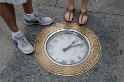 De beroemde klok in de stoep in Manhattan Royalty-vrije Stock Afbeelding