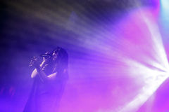 De beroemde Oekraïense zanger Jamala gaf een overleg die haar nieuw album Podykh voorstellen (Adem) royalty-vrije stock foto