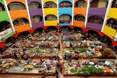 De beroemde ?Pasar natte markt van Siti Besar Khadijah ?in Kota Bharu, Kelantan, Maleisi? stock fotografie