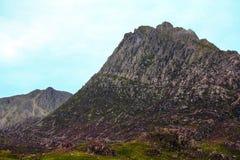 De beroemde piek van Tryfan in Snowdonia, Noord-Wales, Groot-Brittannië stock afbeeldingen