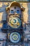 De beroemde stadhuisklok in de oude stad van Praag royalty-vrije stock foto's