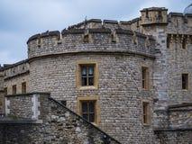 De beroemde Toren van Londen - belangrijk oriëntatiepunt in de stad stock foto