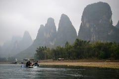 De beroemde 20 yuans factureren mening van Li River dichtbij Yangshuo en Xing Ping, Guilin, China, droog seizoen royalty-vrije stock foto's