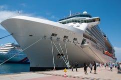 De beroemdheid kruist schip Stock Foto's