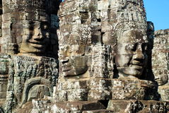 De bescherming heilige van Angkorwat in het licht van de ochtendzon Stock Afbeeldingen