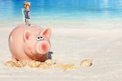 De besparingenfür Vakantie van het spaarvarken Stock Afbeeldingen