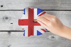 De besparingsconcept van het Verenigd Koninkrijk royalty-vrije stock afbeelding