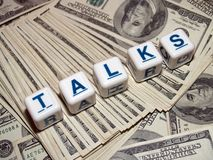 De besprekingen van het geld Stock Foto's