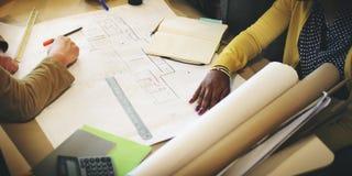 De Besprekingsconcept van architectendesign project meeting stock afbeeldingen