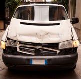 De bestelwagen van Accidented Royalty-vrije Stock Afbeeldingen