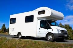 De bestelwagen van de kampeerauto Stock Afbeelding