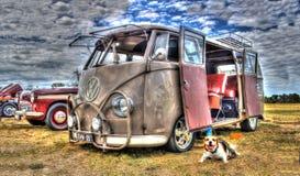 De bestelwagen van VW Kombi stock afbeeldingen