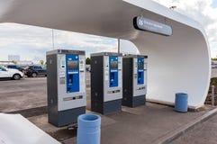 De betalingsterminal voor betaling van autoparkeren in Samara ai Stock Fotografie