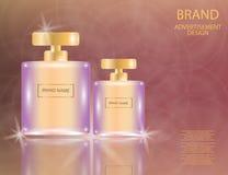 De betoverende flessen van het parfum Vierkante glas op de fonkelende gevolgenachtergrond Stock Afbeeldingen