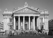 De Beurs van Brussel - Bourse in avondlicht Royalty-vrije Stock Foto's