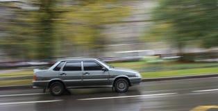 De bewegende auto Royalty-vrije Stock Afbeeldingen