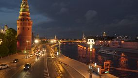 De beweging van auto's dichtbij het Kremlin Royalty-vrije Stock Fotografie