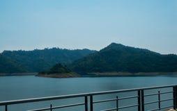 De bewolking van de hemel bij Khundanprakanchon-dam, Nakhon nayok royalty-vrije stock foto's
