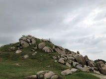 De bewolkte Bovenkant van de Heuvel Royalty-vrije Stock Afbeelding