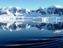 De bezinning van Antarctica Royalty-vrije Stock Foto's