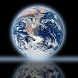 De bezinning van de aarde Stock Fotografie
