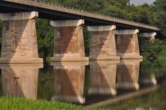 De Bezinning van de brug Stock Foto's