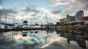 De bezinning van de Haventimelapse van Durban stock footage