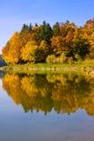 De Bezinning van de herfst Stock Foto