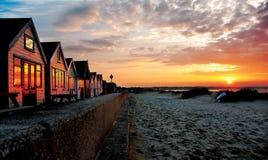 De Bezinning van de Zonsopgang van het Huis van het strand Royalty-vrije Stock Foto's