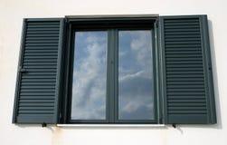 De bezinning van het venster stock afbeeldingen