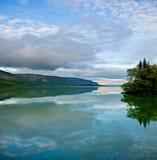 De bezinning van het water Landschap Royalty-vrije Stock Foto's