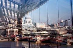 De bezinning van Londen Royalty-vrije Stock Foto's