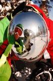 De bezinning van Snowboarders Stock Foto's