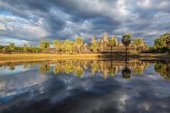 De bezinning van Wat van Angkor Royalty-vrije Stock Foto