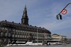 DE BEZOEKER VAN BUSreizen OP 1ST MEIDAG Royalty-vrije Stock Fotografie