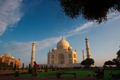 De bezoekers van de ochtend aan Taj Mahal Stock Foto's