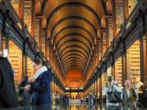 De Bibliotheek van de drievuldigheidsuniversiteit in Dublin Stock Foto's