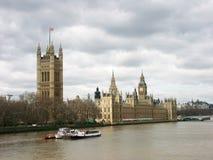 De Big Ben & Huizen van het Parlement Stock Foto's