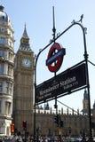 De Big Ben & Ondergronds Teken Stock Fotografie