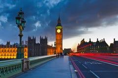 De Big Ben bij nacht stock foto's