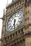 De Big Ben die op wit, Londen wordt geïsoleerdz Royalty-vrije Stock Foto's