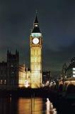 De Big Ben en Huizen van het Parlement bij nacht Stock Afbeeldingen