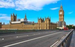 De Big Ben en Westminster overbruggen in Londen Royalty-vrije Stock Foto