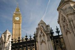 De Big Ben van onderaan Stock Foto's