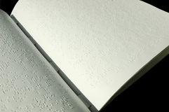 De Bijbel van braille stock foto