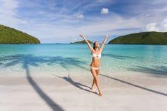 De bikinistrand van de vrouw Stock Afbeelding